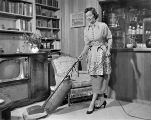 American housewife in the 1950s